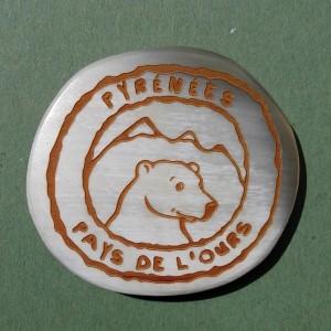 """Magnet en corne """"Pyrénées - Pays de l'Ours"""""""